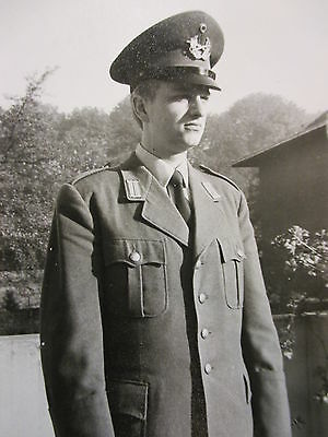 Orig Privat Foto ! Portrait Soldat in besonderer Uniform WK WW Rußland DDR BW ?