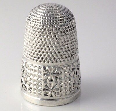 ANTIQUE VICTORIAN SILVER THIMBLE HALLMARKED CHESTER 1896 H GRIFFITH & SONS 5.4g
