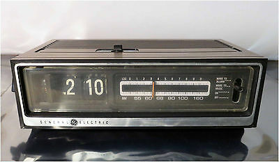 Vintage General Electric - GE, Alarm Flip Clock, AM Radio, Model C4210A