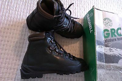 womens Gronell mountain hiking boots size 5 to 5.5 /39 excellent 1 piece leather