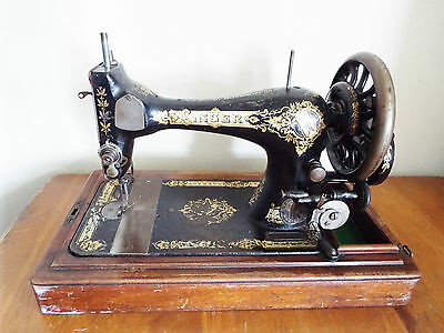 Vintage Singer Sewing Machine with Cover Decorative Design