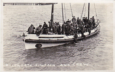 Lifeboat postcard - ELIZABETH SIMPSON AND CREW, GORLESTON, NORFOLK 1935