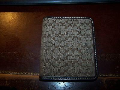 New Coach Small Credit Card Or Id Holder License Or Pictures