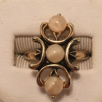 Vintage *sarah Coventry* 3 White Marbled Cabachons Adjustable Ring!