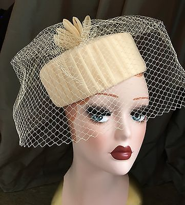 VINTAGE PILLBOX HAT BY BERMONA 1960s IVORY BIRDCAGE VEIL Wedding/Races/Occasion