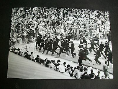 "BIRMINGHAM CITY v LEEDS UNITED Riot  (G) 1980s   6""x4""  Photo REPRINT"