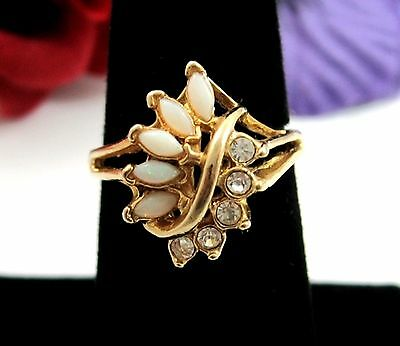 Imitation OPAL & RHINESTONE COCKTAIL Ring Cluster Vintage Marquise Goldtone Sz 7