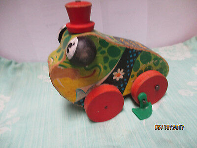 Fisher Price Gran'Pa Frog Original 1956-58