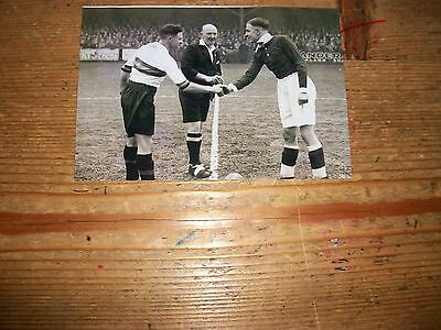"BRADFORD PARK AVENUE v LUTON captains Joe Payne 1930s 6""x4""  REPRINT"