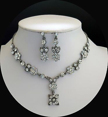 SALE -- Vintage Necklace/Earrings, Flower Bridal Jewelry, Clear Crystals N3060