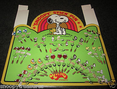 Snoopy Vintage Aviva Stick Pin Display For Store - 36 Pins