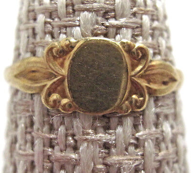 Vintage 10k Yellow Gold Signet Engraveable Baby Ring  Size 2 1/2  BE243