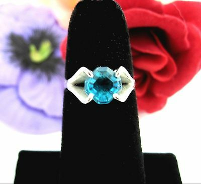 ELECTRIC BRIGHT BLUE Glass STONE RING Vintage Silvertone Solitaire Size 5