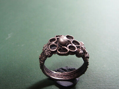 Ancient Silver Ring Flower Design Roman 100-300 Ad