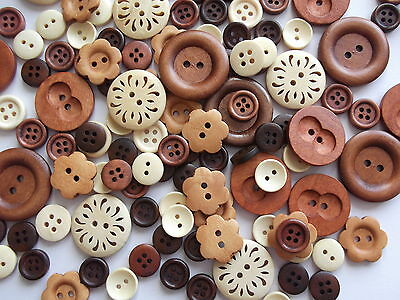 50 x Special Edition of Natural wood, beautiful wooden buttons,
