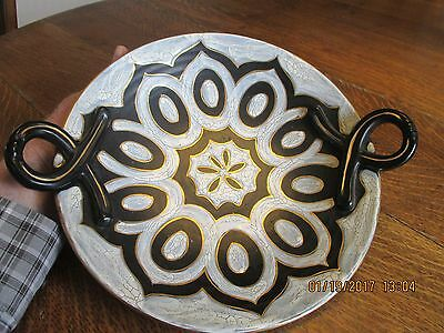 Vintage Holland Royal Zuin Gouda Pottery 2 Handled Plate / Charger - 3218 Cameo