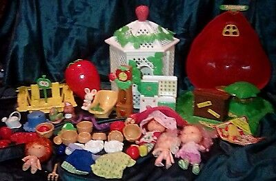 Vintage Strawberry Shortcake Lot Bakery Gazebo + Furniture Dolls Accessories Pet