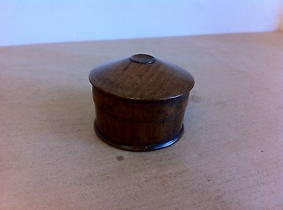 LOVELY DECORATIVE ANTIQUE TREEN / WOODEN LIDDED BOX 2.4 inches