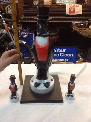 Vintage Old Crow Advertising Figures Cool Bar Decore