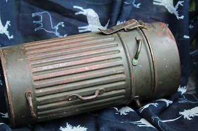 2WW German Army Gas Mask Container , tin,1934 first short model, Kriegsmarine,