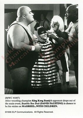 MARRIED WITH CHILDREN Press Photo #123 5X7 David Faustino KING KONG BUNDY