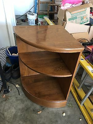 Ethan Allen CRP Heirloom Maple Nutmeg Corner Bookcase