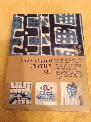 YELLOW OWL WORKSHOP Easy Indigo Textile Kit. Blue.