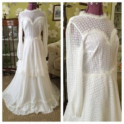 Vintage 70s White Lace Over Satin Double Layered Long Sleeve Wedding Dress 10-12