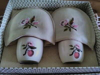 Vintage Boxed Pure Irisg Linen Egg Cups & Cosies