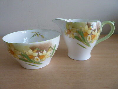 Pretty Shelley Jug And Bowl - Jonquil Pattern