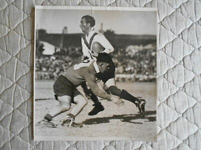 B/w Action Photo Of A. Johnson Being Tackled By Newcastle Player 15/06/1946