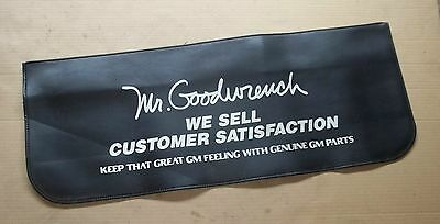 "Chevy GM ""Mr. Goodwrench"" Protective Fender Cover Vinyl Mechanic Mat ~ Rare!"