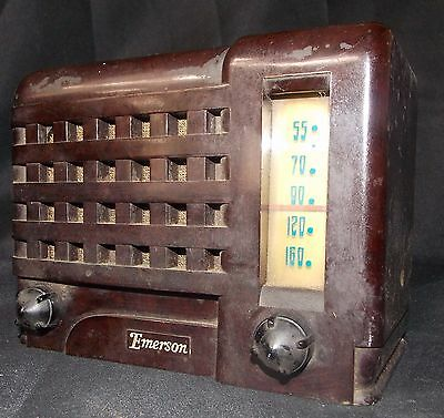 1947 Emerson Emersonette table top tube radio Model 540A midget