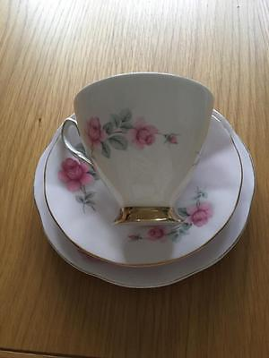 Elizabethan Fine English Bone China. Tea Cup, Saucer And Side Plate Trio.