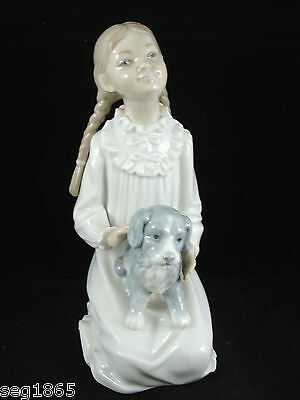 Superb Nao Figurine - Kneeling Girl With Dog On Lap