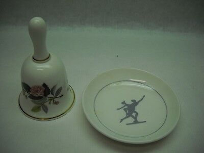WEDGEWOOD Bell HATHAWAY ROSE with Gold Trim and Plate METALLISED Small Plate