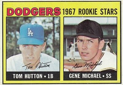 Topps 1967 #428 Los Angeles Dodgers rookies with Tom Hutton