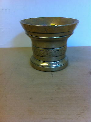LOVELY LARGE HEAVY DECORATED 18th CENTURY ? BRASS MORTAR 4 inches - 2.15 kgs