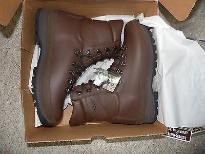 British Army Altberg Defender Brown Leather Combat Boots Size 10W. New