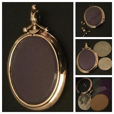 A Lovely Plain Surfaced Oval 9Ct Rose Gold Edwardian Picture Locket Circa 1910