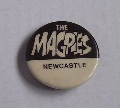 A&BC bubble gum The Magpies Newcastle United pin badge