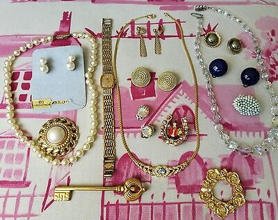 Job Lot Vintage Jewellery Clip On Earrings,brooches, Necklaces, Lovely Condition