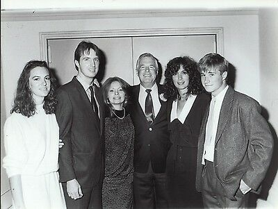 George Peppard and family - professional celebrity photo 1986