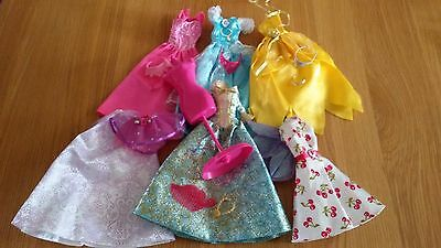 *Barbie Dolls Bundle Of Clothes 5 Dresses,Skirts,Stand & Accessories*