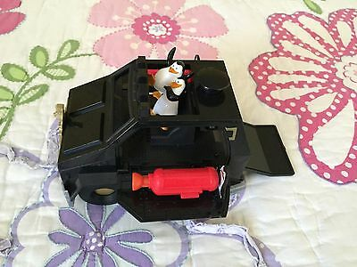 Penguin of Madagascar Car with side shooters and penguins