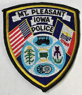 Mt. Pleasant Police - Iowa - USA - Old Style Patch with Steam Locomotive
