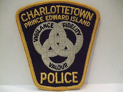 police patch  CHARLOTTETOWN POLICE PRINCE EDWARD ISLAND PEI CANADA DIF CREST