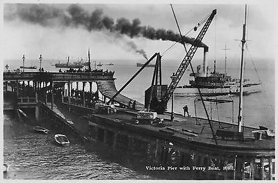 Hull - Victoria Pier and Ferry