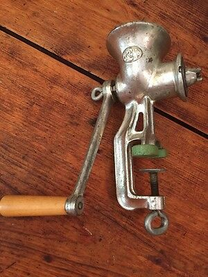 Primitive Made In England Meat Grinder Green Clamp 90 Spong