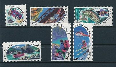 [90047] New Zealand good set Very Fine MNH stamps